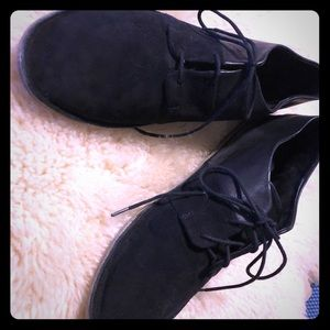 Vince Black leather and suede oxfords size 10